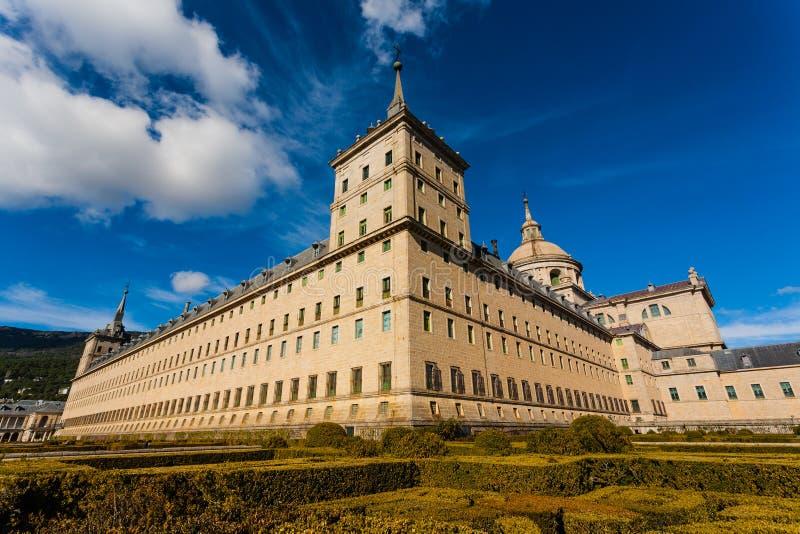 Volledig - mening van de Koninklijke Plaats in San Lorenzo de El Escorial stock fotografie