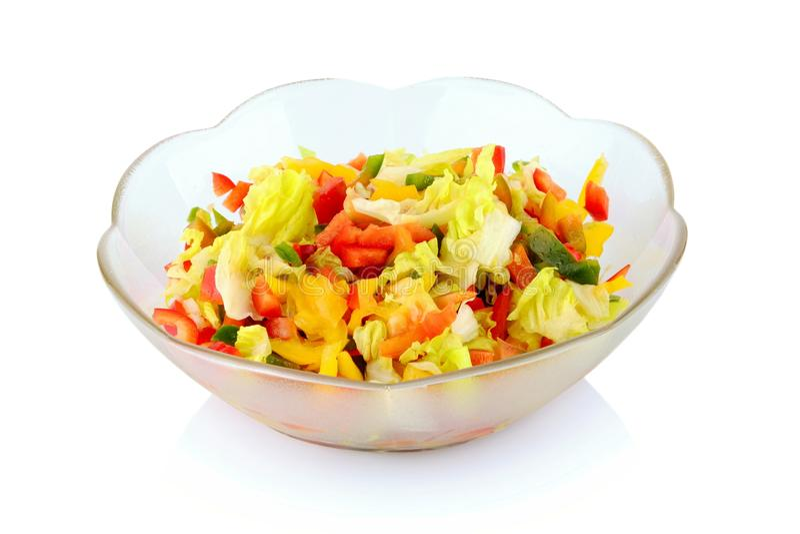 Volledige diversiteit van groenten in de geïsoleerde salade-kom stock foto's