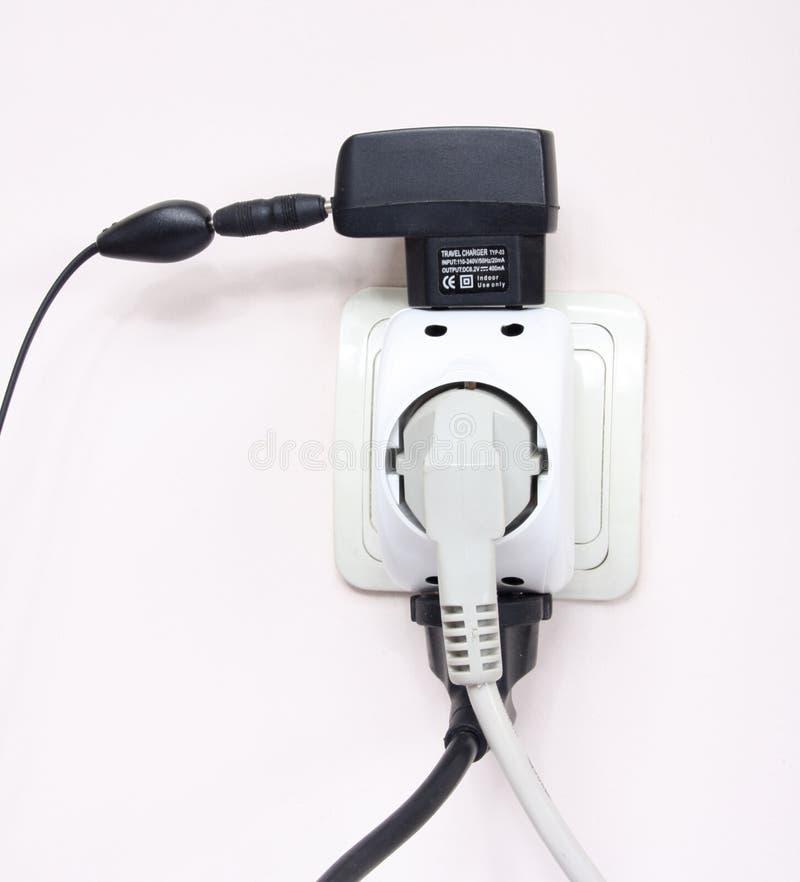 Volledige elektrische contactdoos stock afbeeldingen