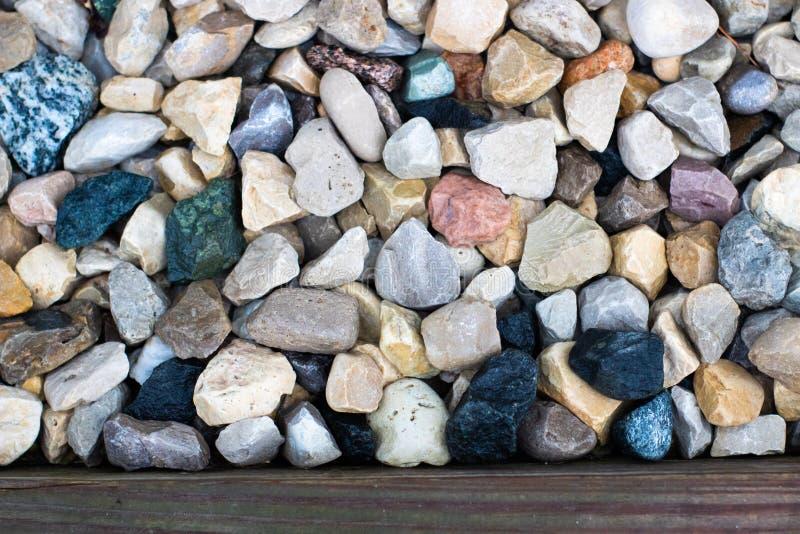 Volledige kaderclose-up van gemengde scherpe rotsen stock fotografie