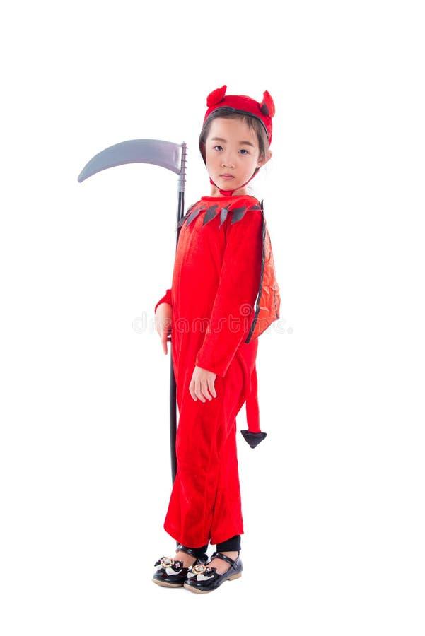 Volledige lengte die van meisje zich in rood kwaad kostuum bevinden royalty-vrije stock fotografie