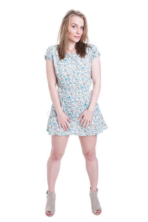 Voller Körper der sexy Aufstellung der jungen Frau stockbilder