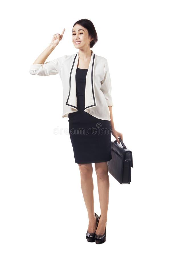 In voller Länge von der kreativen asiatischen Geschäftsfrau lizenzfreies stockfoto