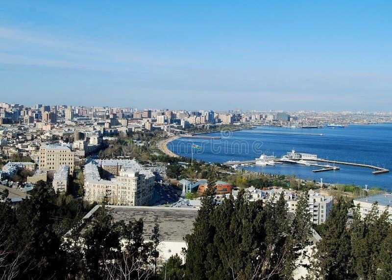 Voller Tag über Baku lizenzfreie stockfotos