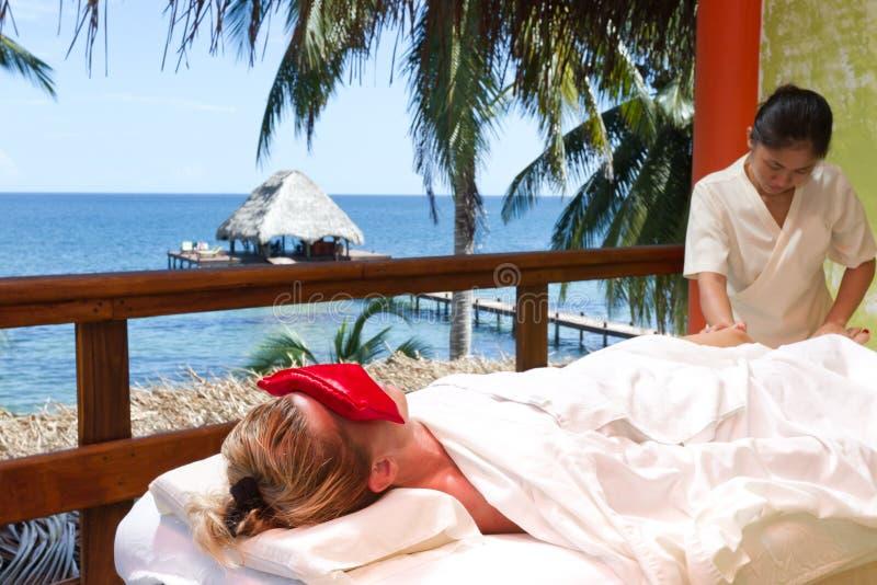 Volles Körper masage lizenzfreie stockfotografie