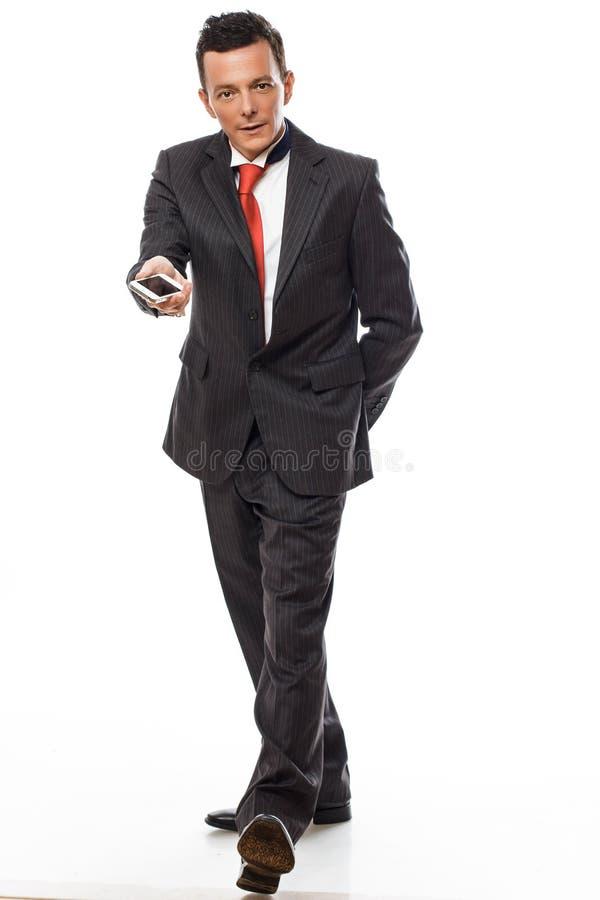 Volles Körperbild des Mannes in einer Klage lizenzfreie stockfotografie
