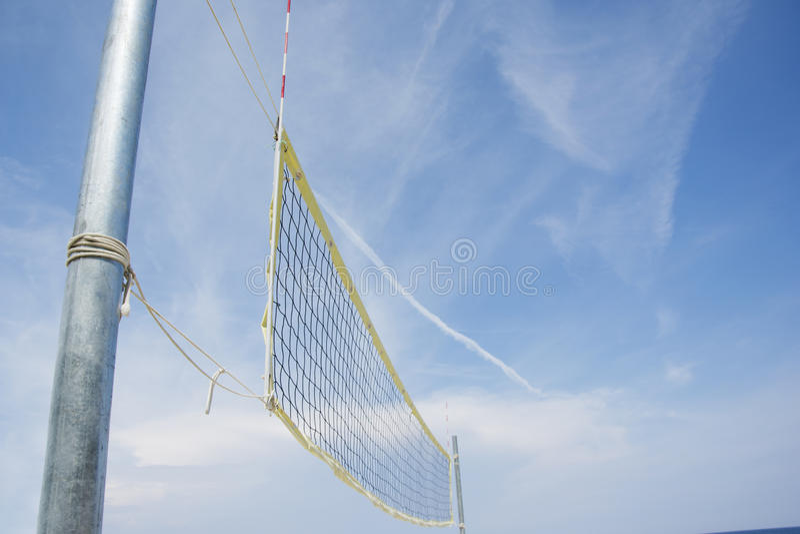 Volley παραλιών καθαρό σε μια αμμώδη παραλία στοκ φωτογραφία με δικαίωμα ελεύθερης χρήσης