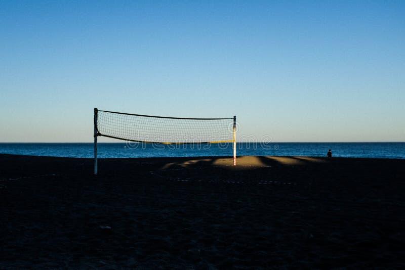 Volleyball in dem Meer stockfoto