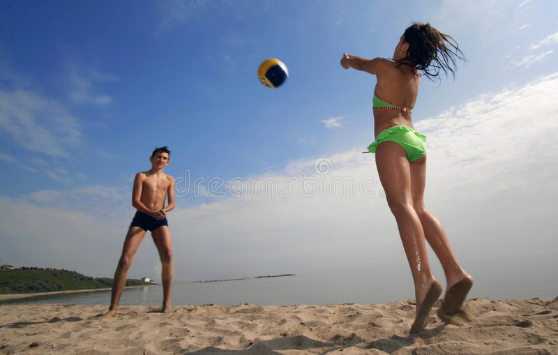 Volleyball op strand royalty-vrije stock foto