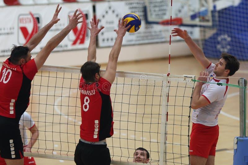 Volleyballaanval stock afbeeldingen