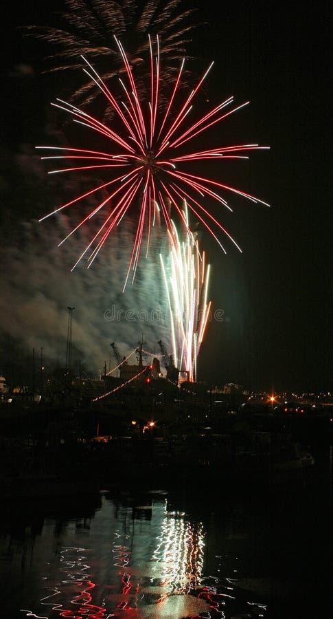 Vollkommenes Feuerwerk stockfoto