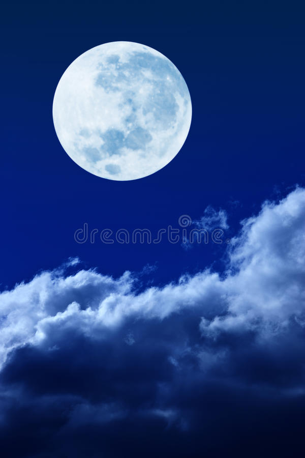 Vollmond-Himmel-Wolken stockfotos
