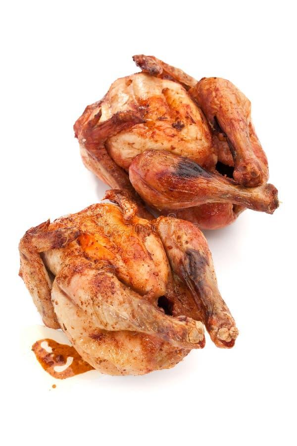 Vollständige gegrillte Hühner lizenzfreie stockfotografie