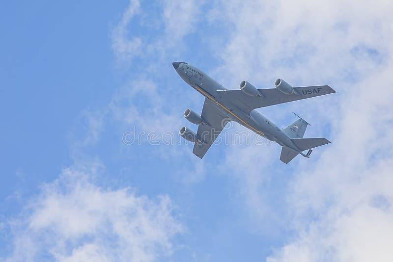 Volo dell'aereo da carico dell'aeronautica di Stati Uniti da MacDill AFB immagini stock