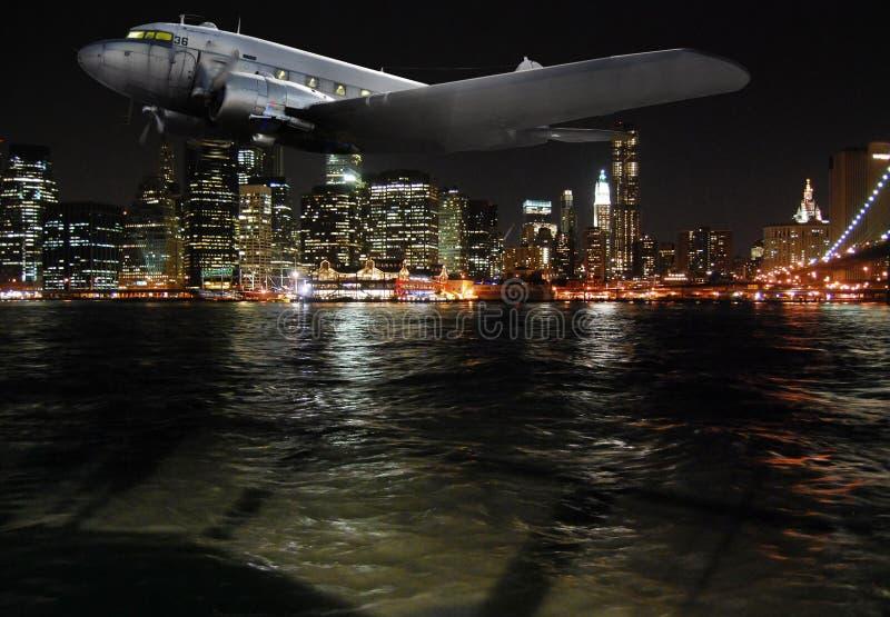 Volo di notte fotografia stock