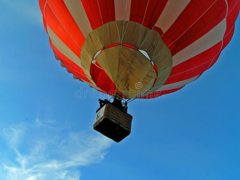 Volo sull'aria-aerostato fotografia stock