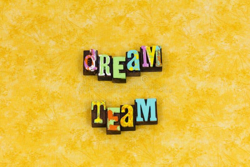 Volontaire de travail d'équipe d'équipe rêveuse ensemble photos libres de droits