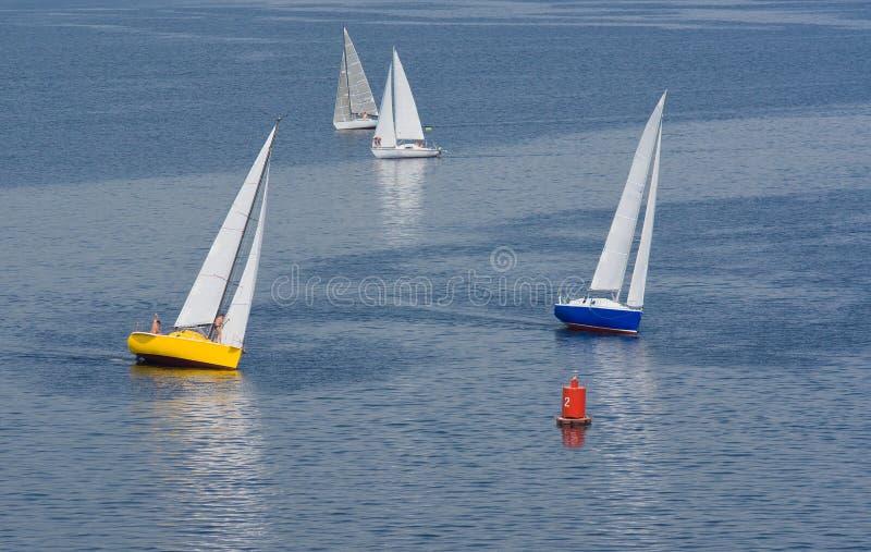 Volta mal sucedida na raça yachting foto de stock royalty free
