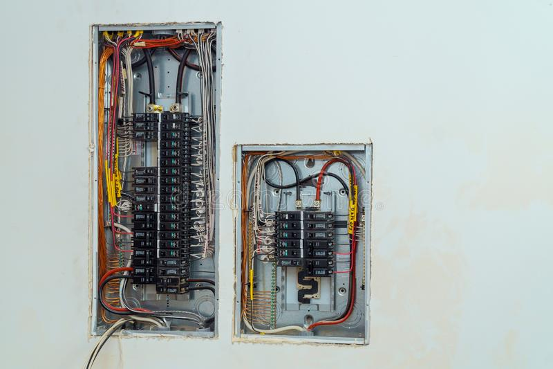 Voltageschakelbord met stroomonderbrekers elektro stock foto