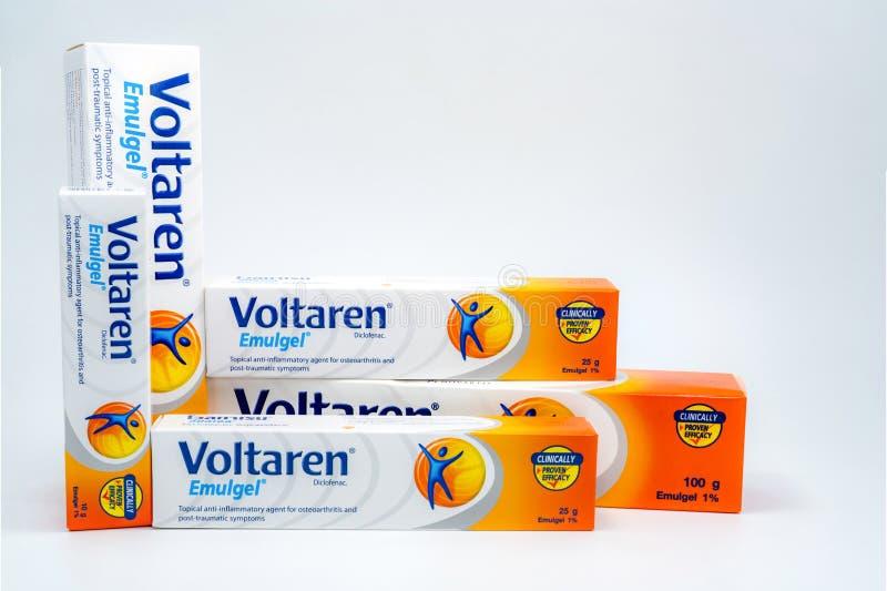 Voltaren Emulgel gel para anti-inflamatório tópico, osteodistrofia do diclofenac de 1%, sintomas cargo-traumáticos fotos de stock
