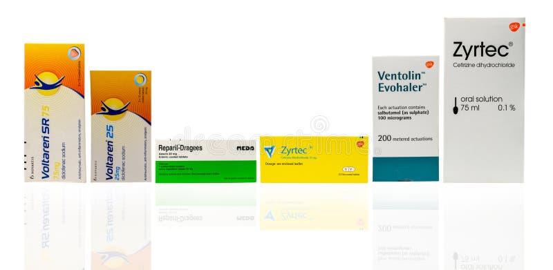 Voltaren SR 75毫克、Voltaren 25, Reparil糖衣杏仁, Zyrtec影片上漆的片剂,被隔绝的Ventolin Evohaler和Zyrtec口头解答 库存图片