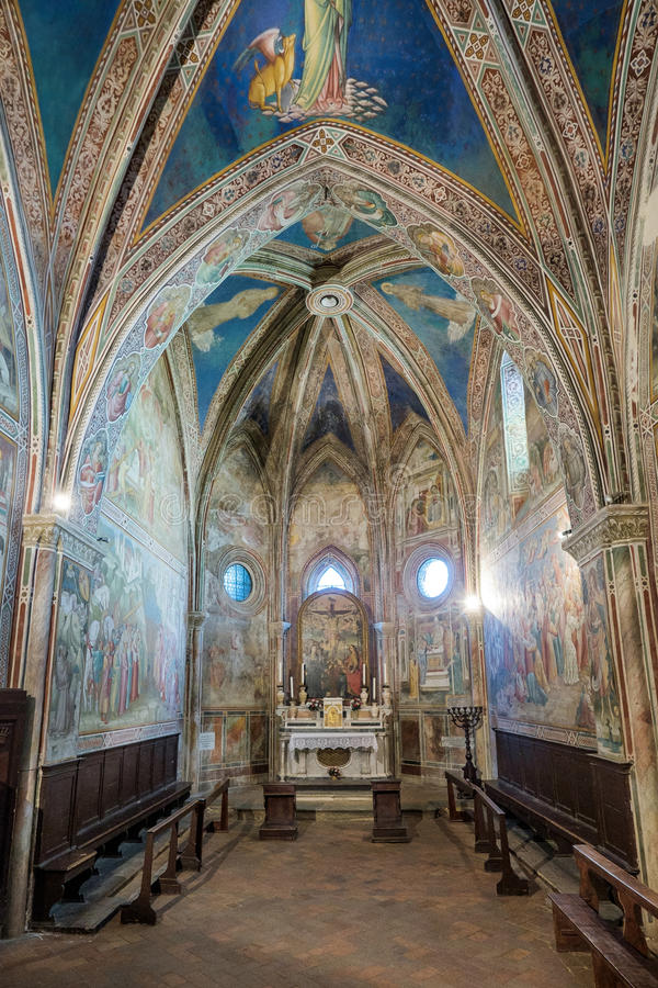 VOLTERRA, ТОСКАНА - 21-ое мая 2017 - церковь Св.а Франциск Св. Франциск, inte стоковое фото rf