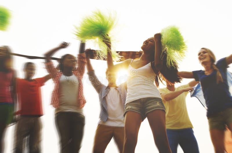 Voltooiing die uit het Dansen Vriendschapsconcept hangen stock afbeeldingen