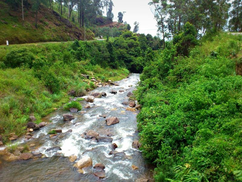 Volume de água natural em Sri Lanka fotografia de stock