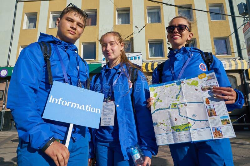 Voluntários 2018 da cidade anfitriã do campeonato do mundo de FIFA imagem de stock royalty free