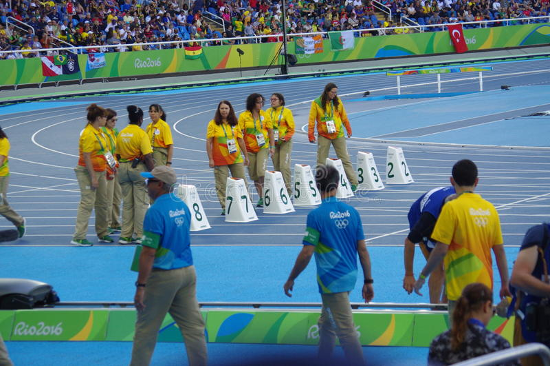 Voluntários olímpicos em Rio2016 imagens de stock royalty free