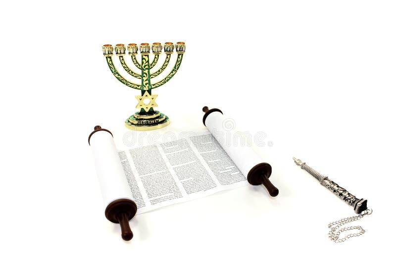 Voluta de Torah con el menorah y el indicador fotografía de archivo