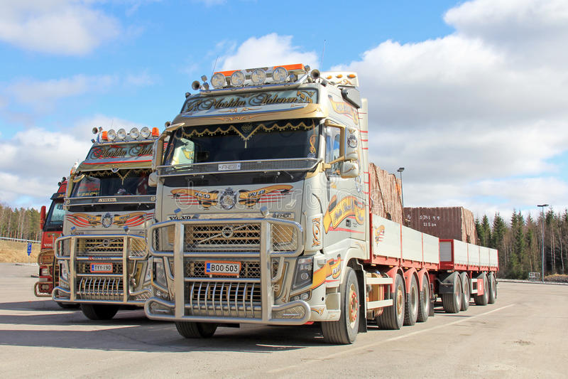 3 Volvo трясут тележки перехода стоковая фотография