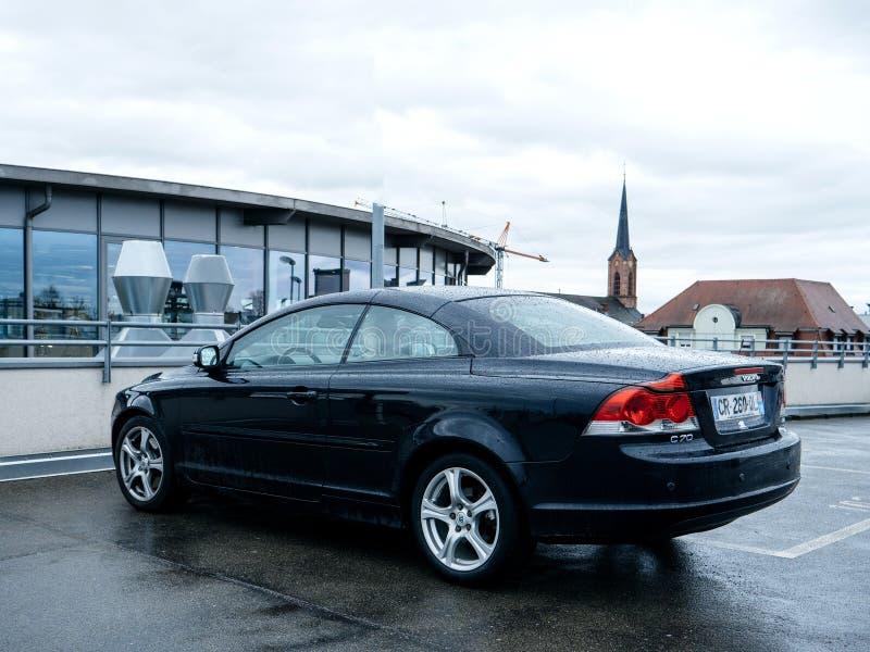 Volvo bil som parkeras i cabriolet för stad C70 arkivfoton