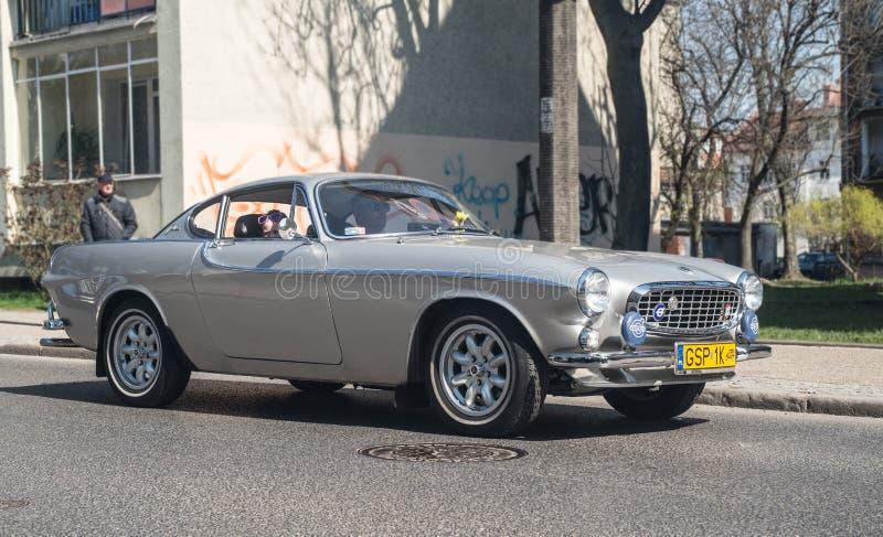 Volvo clássico P1800at um encontro dos carros do veterano imagens de stock royalty free