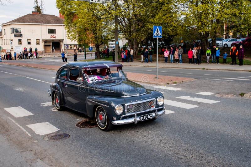 Volvo 544 dessus d'abord de défilé de mai dans Sastamala images stock
