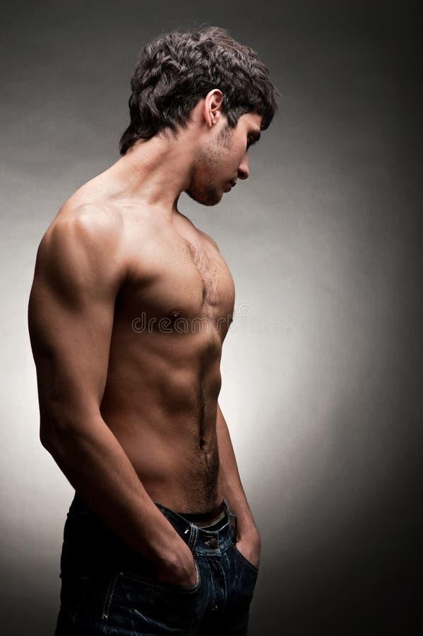 Volwassen mens met naakt torso royalty-vrije stock afbeeldingen