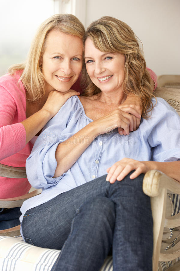 Volwassen moeder en dochter royalty-vrije stock afbeelding