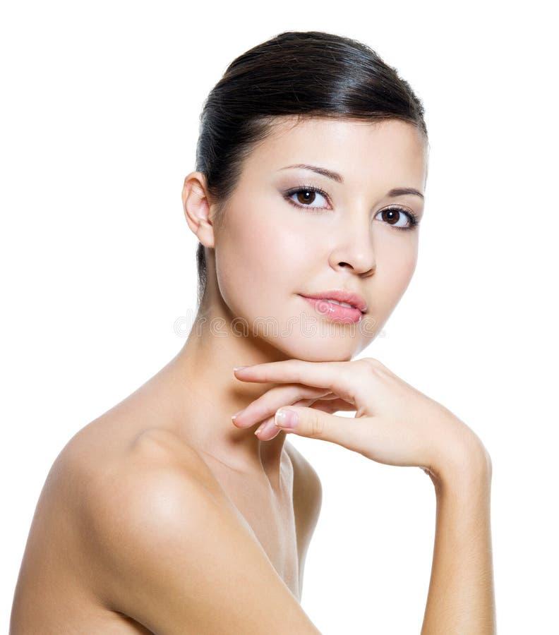 Volwassen mooie vrouw met verse schone huid royalty-vrije stock fotografie