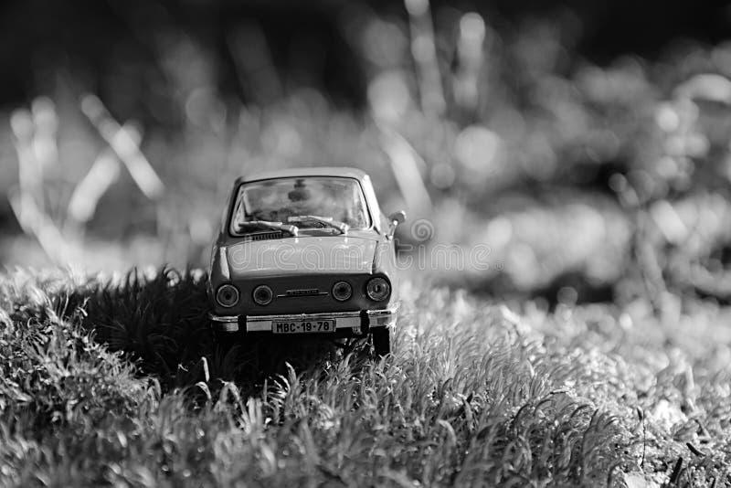 Volyne, République Tchèque - 11 août 2018 : le modèle de la voiture tchèque légendaire Skoda 110R a appelé Erko du support 1980 d image stock