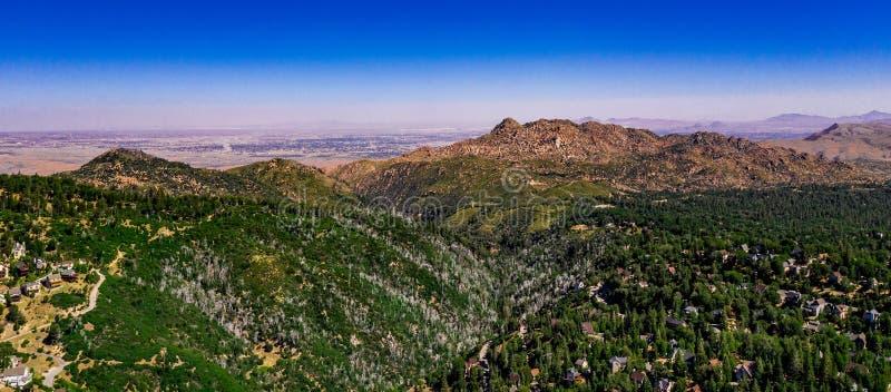 Von der Luft, Brummen-Landschaft über See-Pfeilspitze, Kalifornien stockfotos