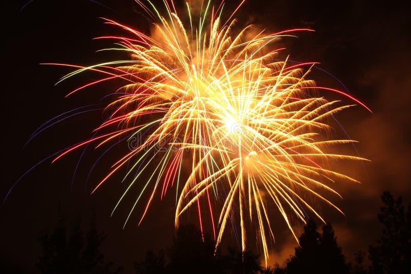 4. von Juli-Feuerwerken in Eagle Point, Oregon lizenzfreies stockbild