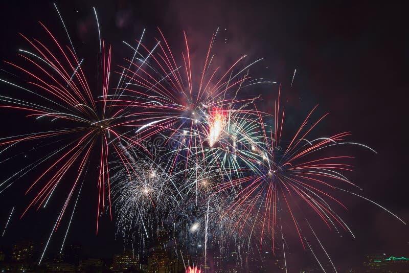 4. von Juli-Feuerwerken Portland Oregon 2013 stockfotografie
