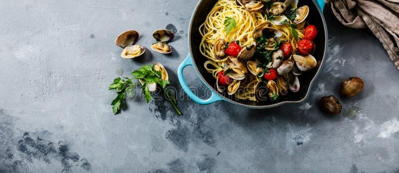Vongole för pastaspagettialle havs- pasta med musslor royaltyfri foto