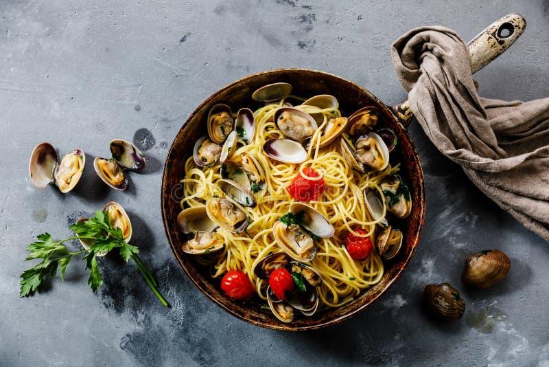 Vongole för pastaspagettialle havs- pasta med musslor fotografering för bildbyråer