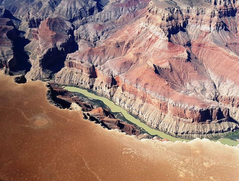 Voo acima do Rio Colorado no Grand Canyon fotografia de stock