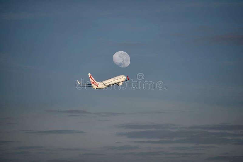 Voo da lua de mel no Virgin Austrália imagem de stock royalty free
