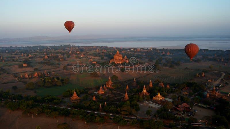 Voo sobre Bagan, Myanmar foto de stock royalty free