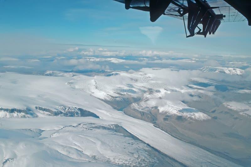 Voo sobre o ártico elevado canadense fotografia de stock royalty free