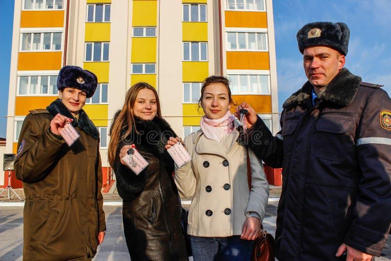 Voor flats jonge beroeps in de nieuwe bouw in het Gomel-gebied van Wit-Rusland stock fotografie