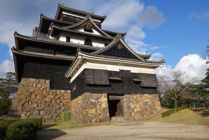 Vooraanzicht van de samoeraien feodaal kasteel van Matsue in Shimane-prefectuur stock fotografie